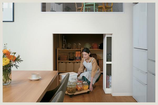 キッチン横の蔵