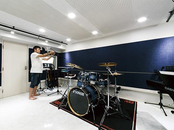 地下室 音楽スタジオ