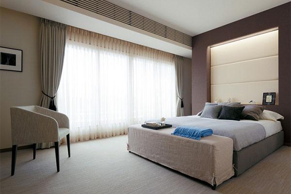 寝室のカーテン